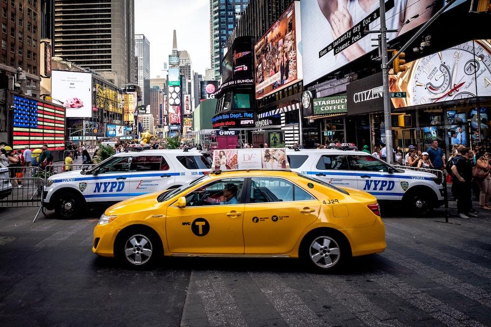 NYC Traffic Violations Lawyer | Weiss & Associates, PC